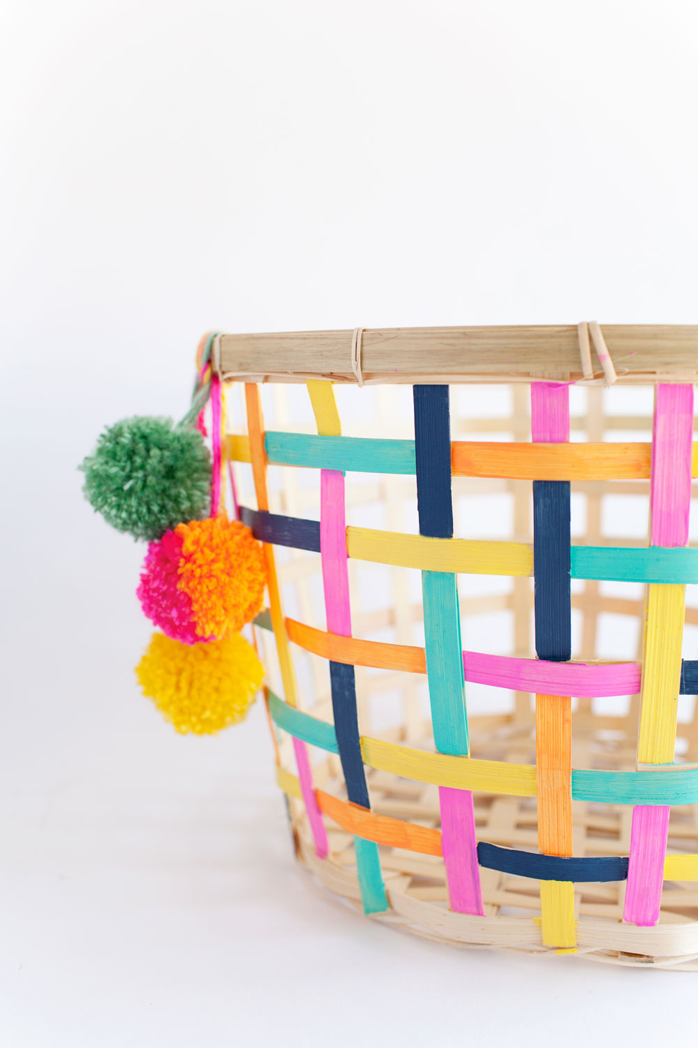 Painted-basket.--A-fun-and-colorful-IKEA-hack
