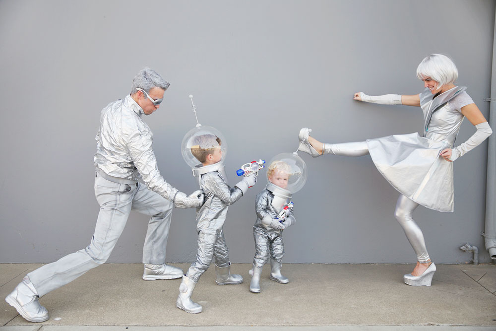 Family-Costume-ideas-tell---Love-and-party