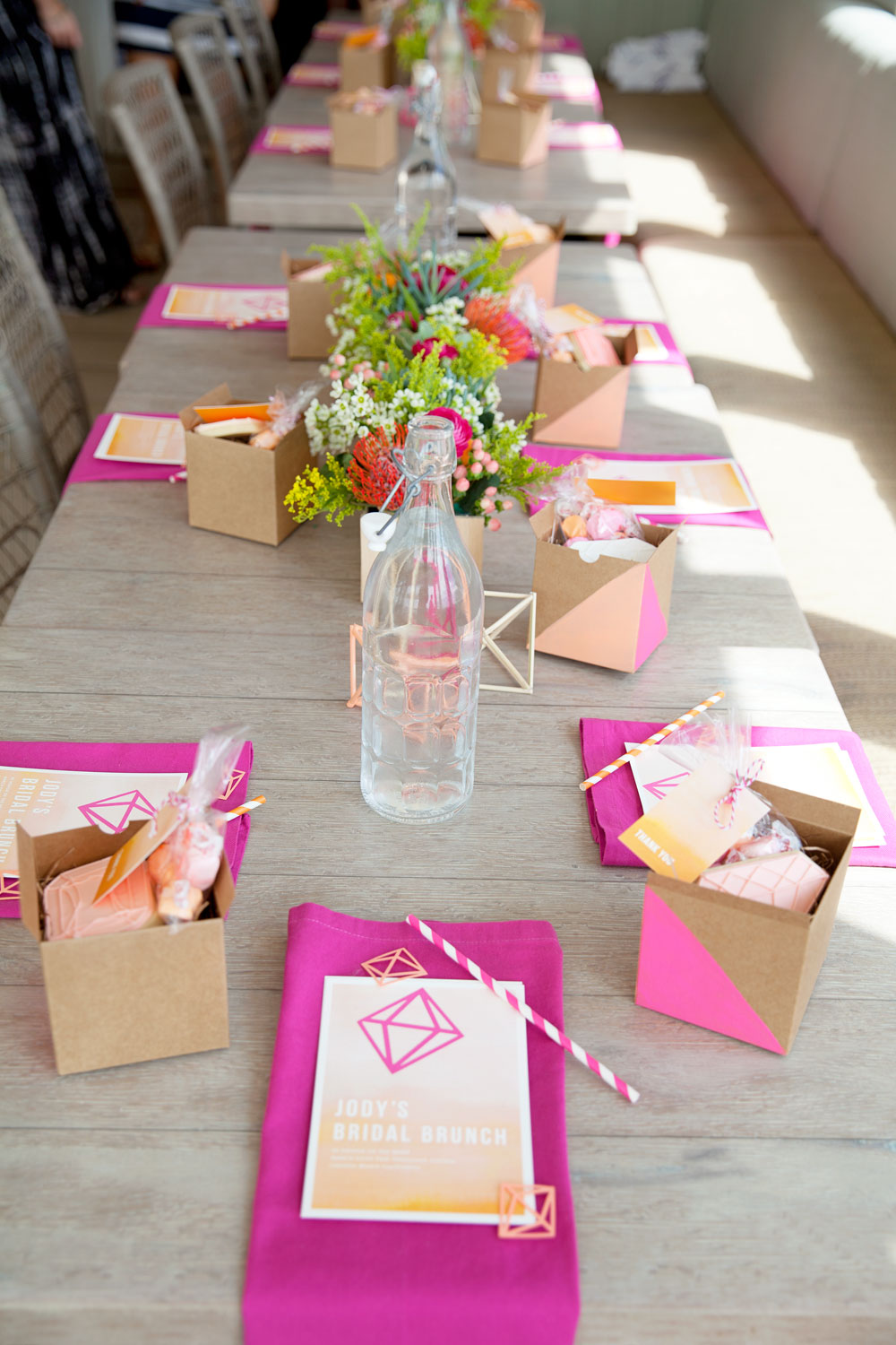 Bridal shower brunch diy tell love and party Brunch table decorations