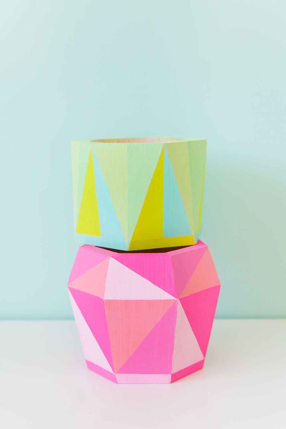 DIY-geo-painted-containers-used-two-fun-and-simple-ways