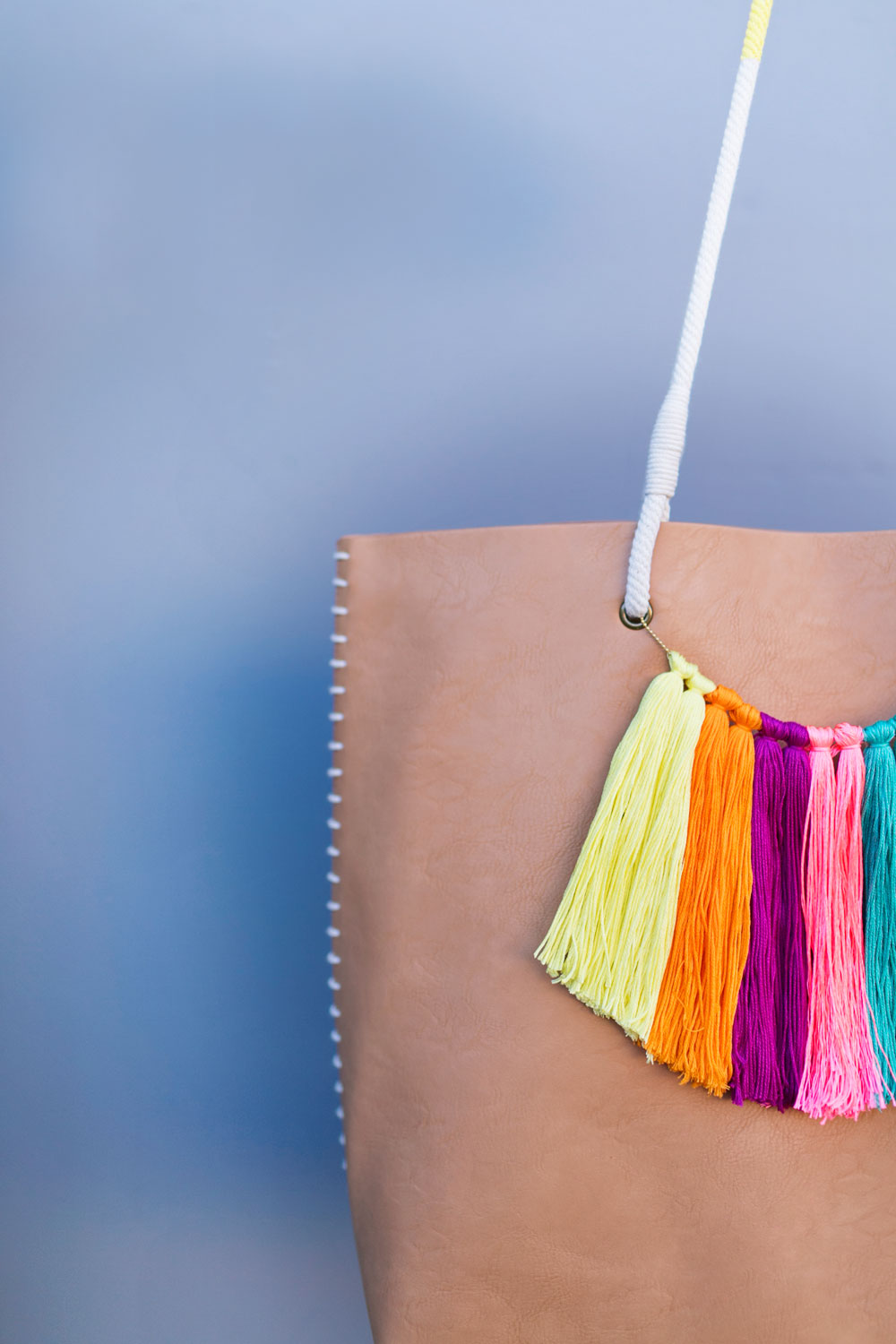 DIY-tassels-for-tote-bag