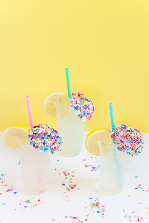 DIY-Confetti-Drink-Umbrella