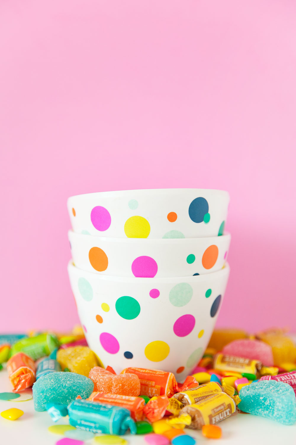 These-cute-DIY-confetti-candy-dishes-are-so-cute-and-only-takes-15-min-to-make-