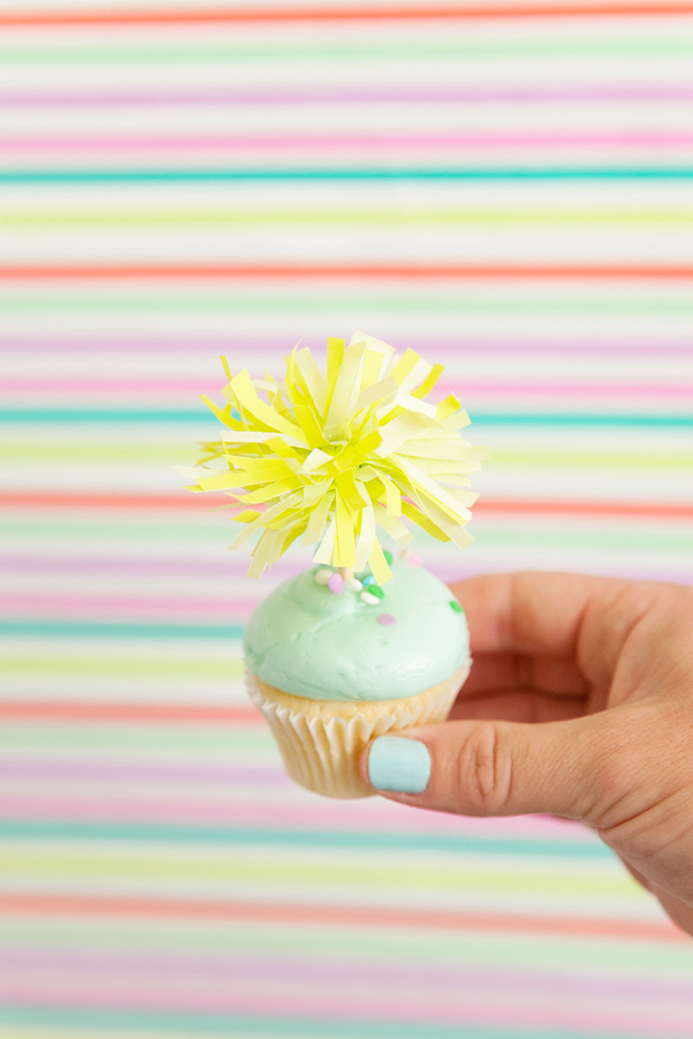 Easy-and-Cute-Cupcake-Topper