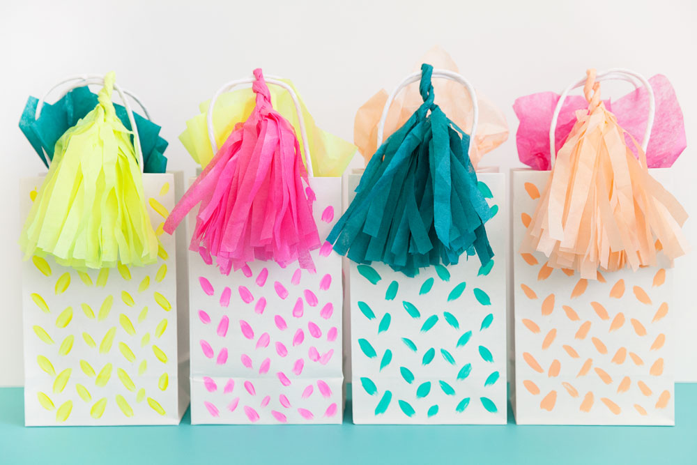 DIY TASSEL GIFT BAG - Tell Love and Party