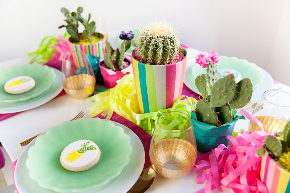 prickly-party-table-decor