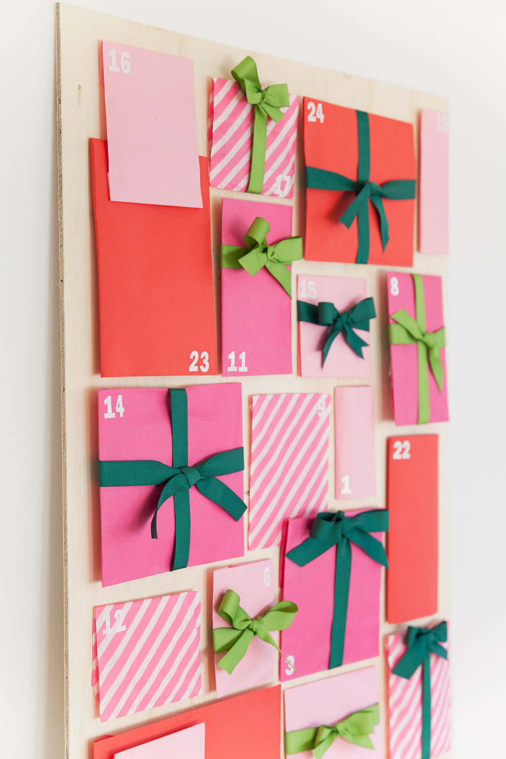 Love Calendar Ideas : Diy paper bag advent calendar tell love and party
