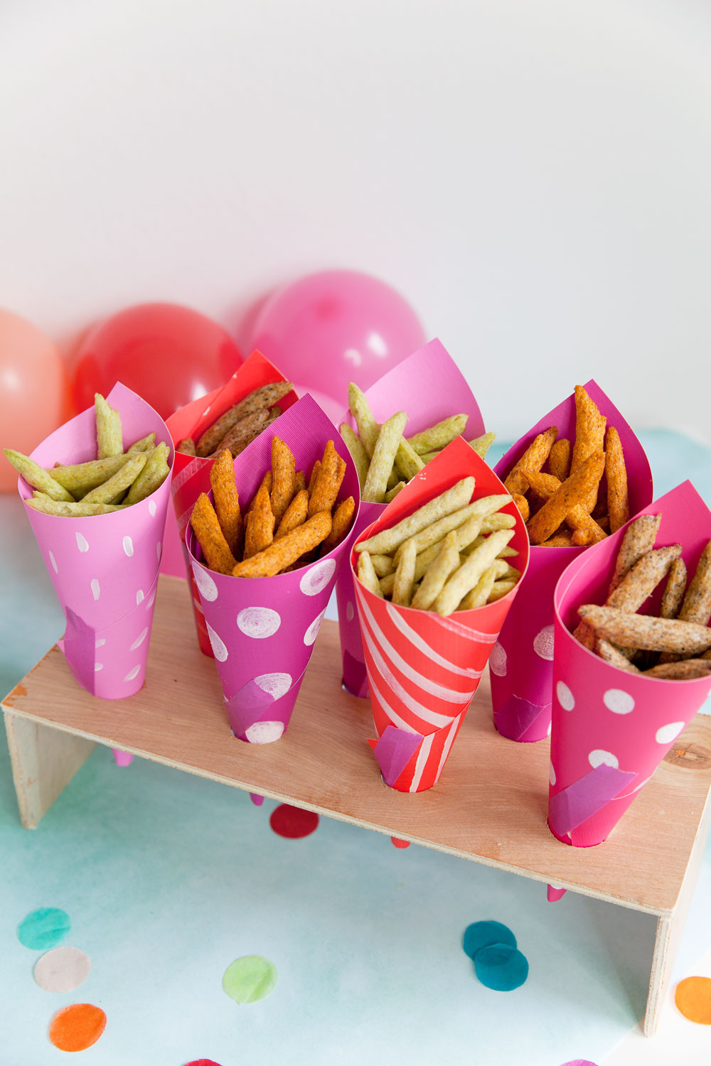 DIY-paper-cup-snack-holder