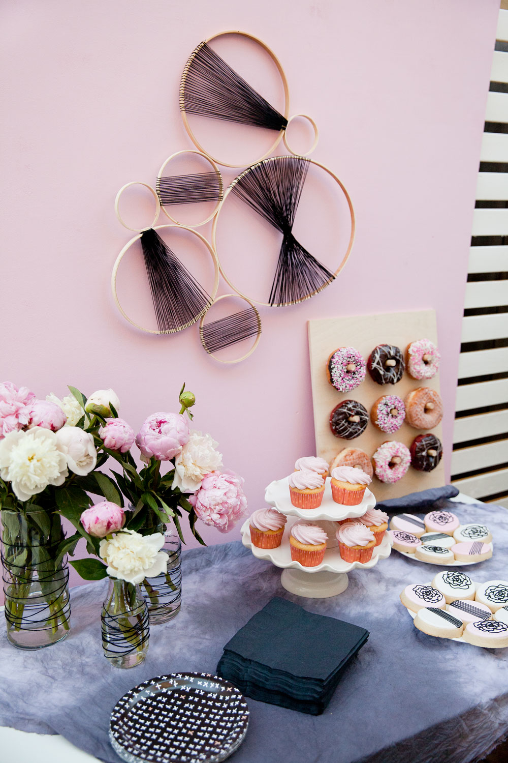 pink-and-black-baby-shower-ideas--