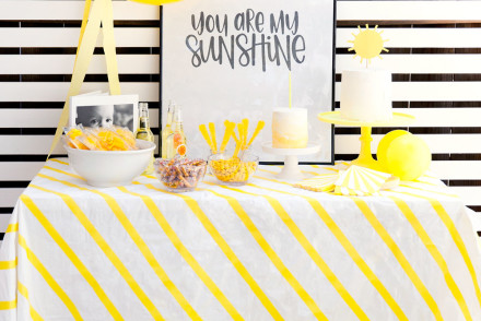 You-are-my-sunshine-1st-birthday-party-theme