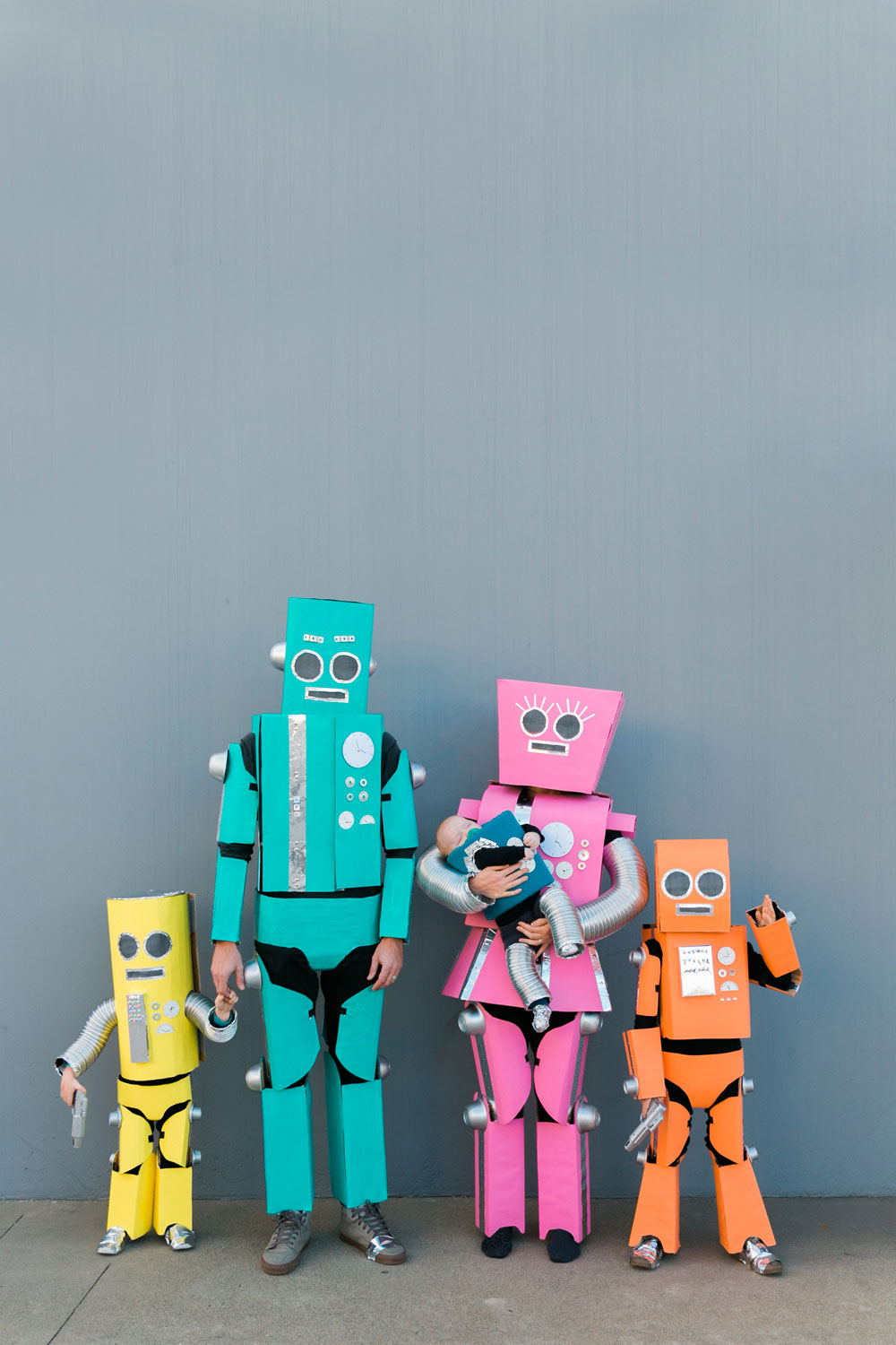 Robot-Costume-diy-ideas-for-the-whole-family