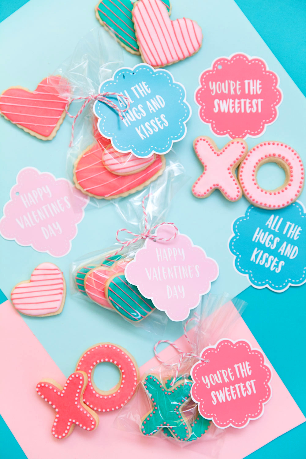 These free printable Valentine's are perfect for any cookie for treat!  Valentine's day, DIY, Cookies