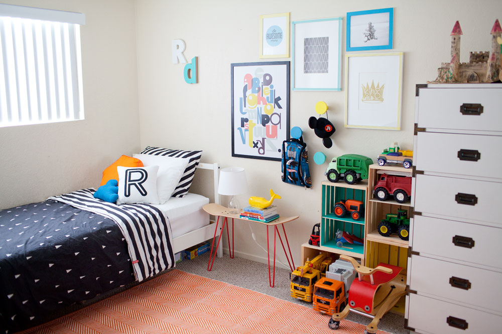 Tell Love and Chocolate- Boys room idea