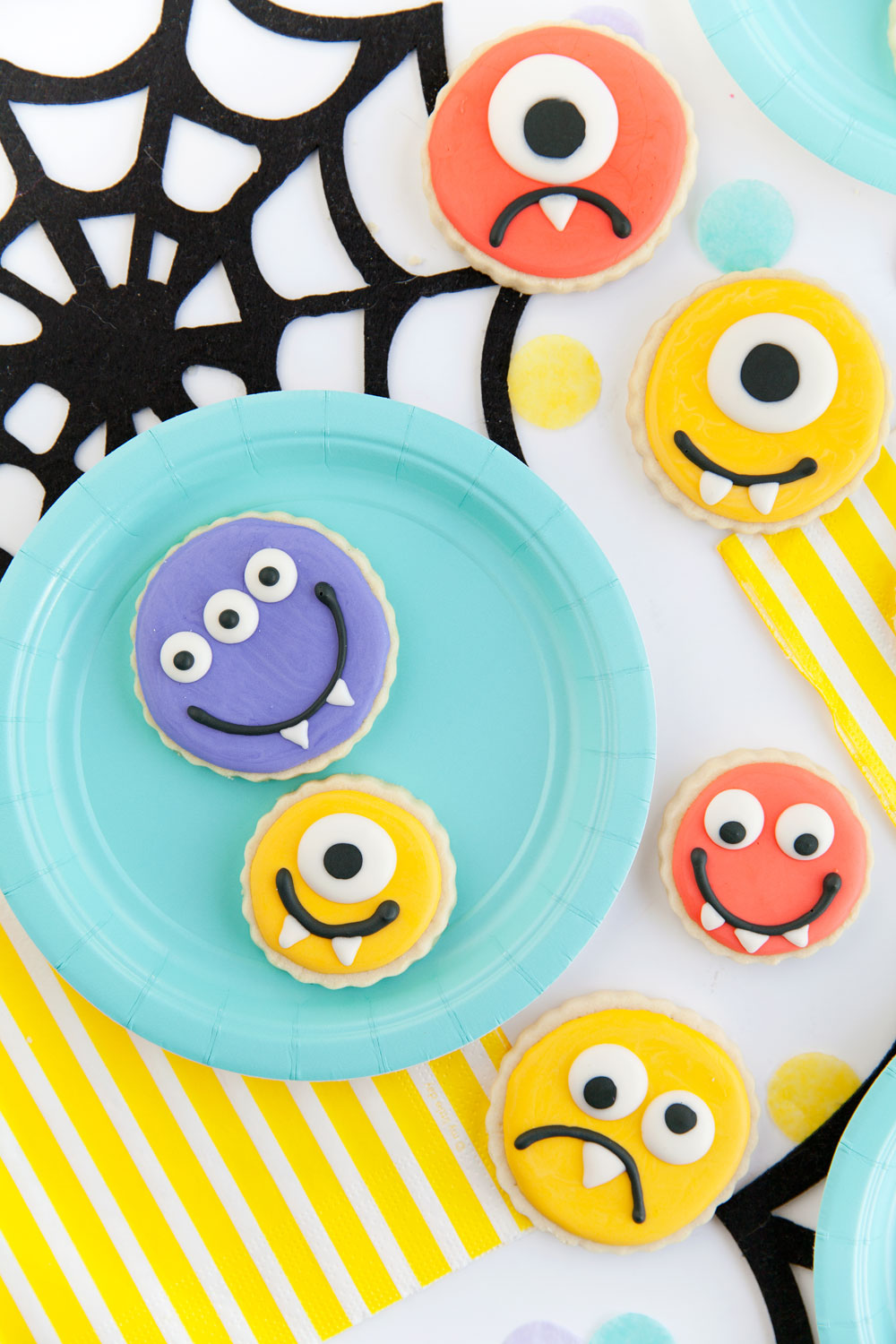 Halloween-Cookies--Tell-Love-and-Party