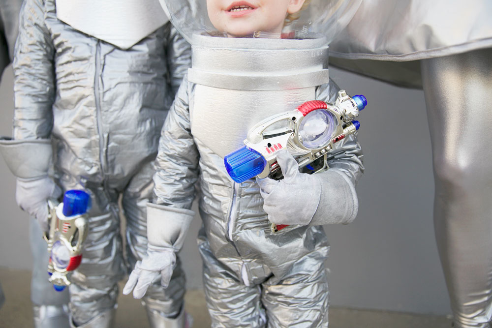 space-costume---Tell-Love-and-party