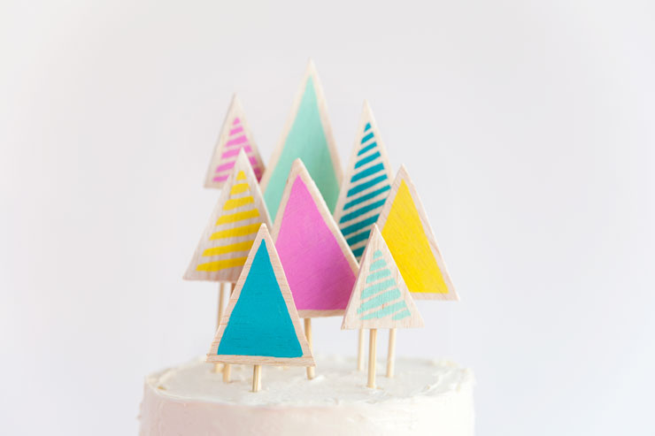 Balsa-wood-cake-topper---Tell-Love-and-Party