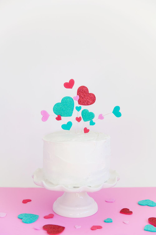 Crazy-Heart-Cake-topper-DIY---