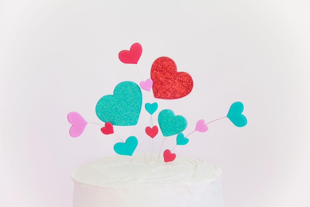 heart-cake-topper