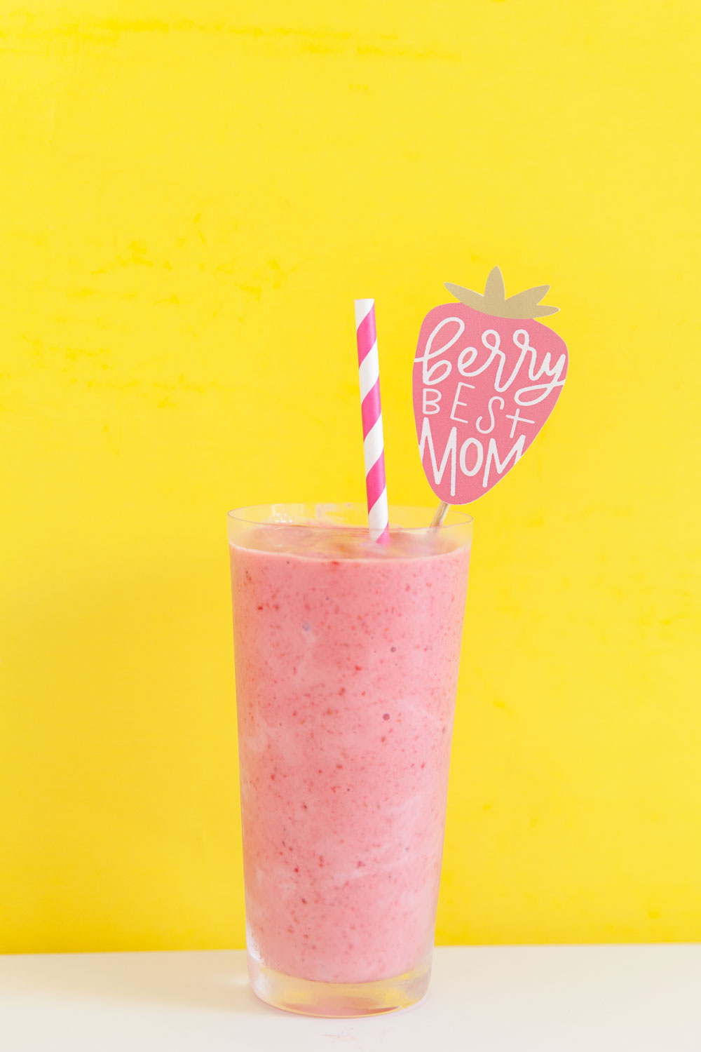 Free-Printables-for-Mothers-Day,-Make-your-smoothies-look-extra-cute