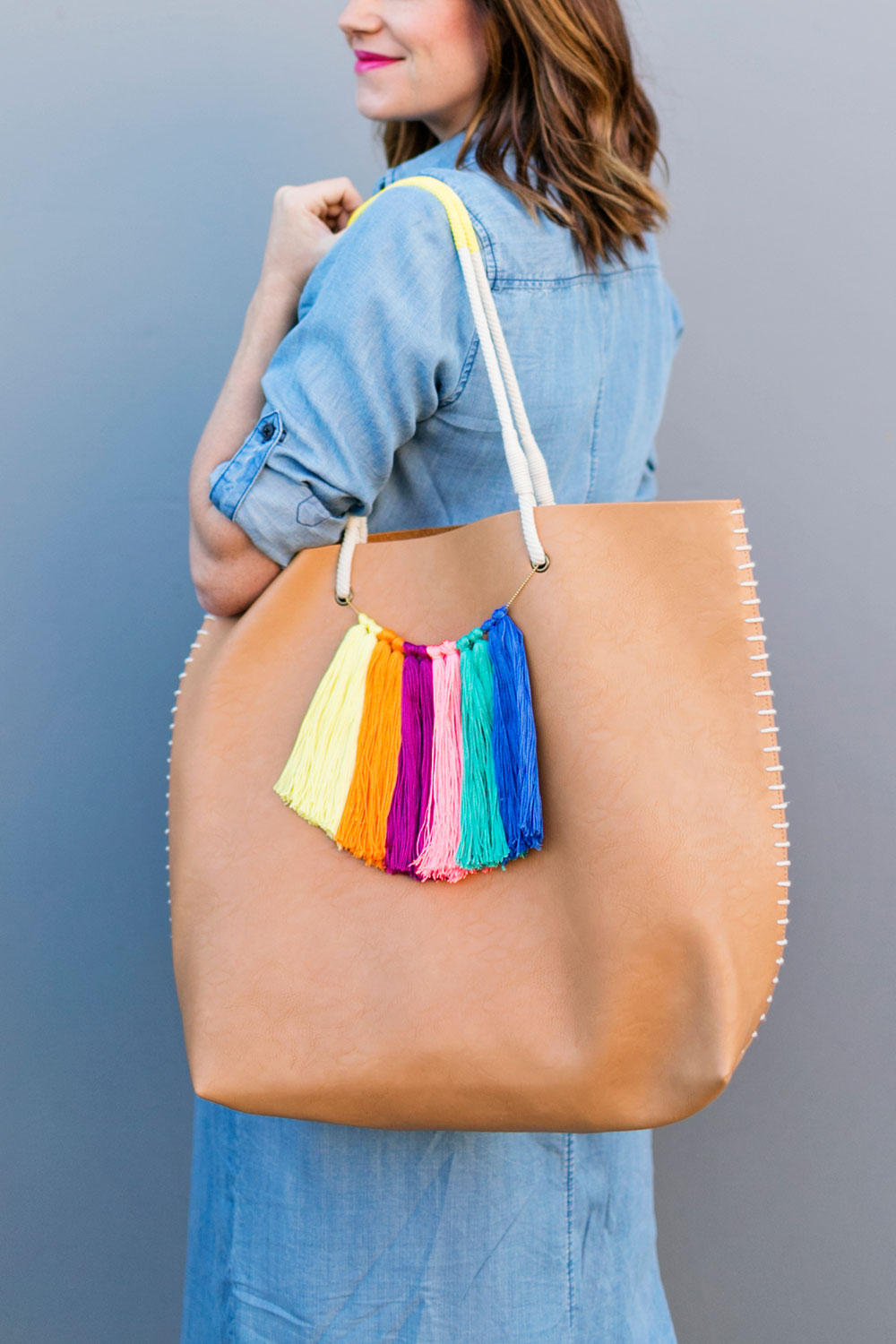 Make-this-fun-easy-tassel-tote-bag-just-in-time-for-summer