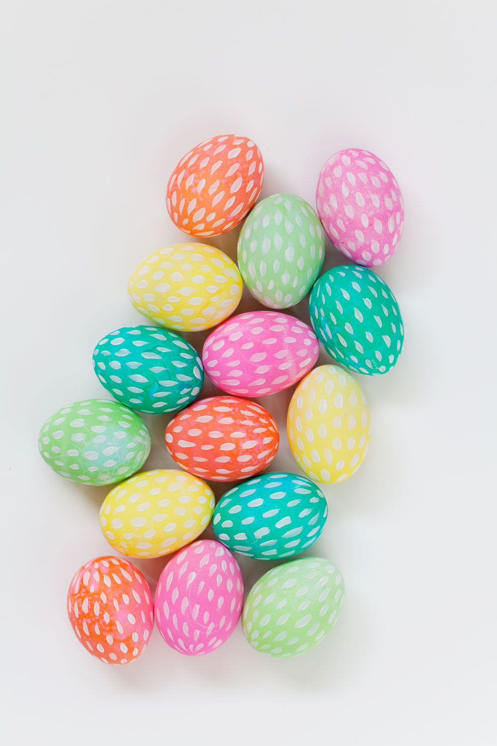 DIY-painted-Easter-Eggs
