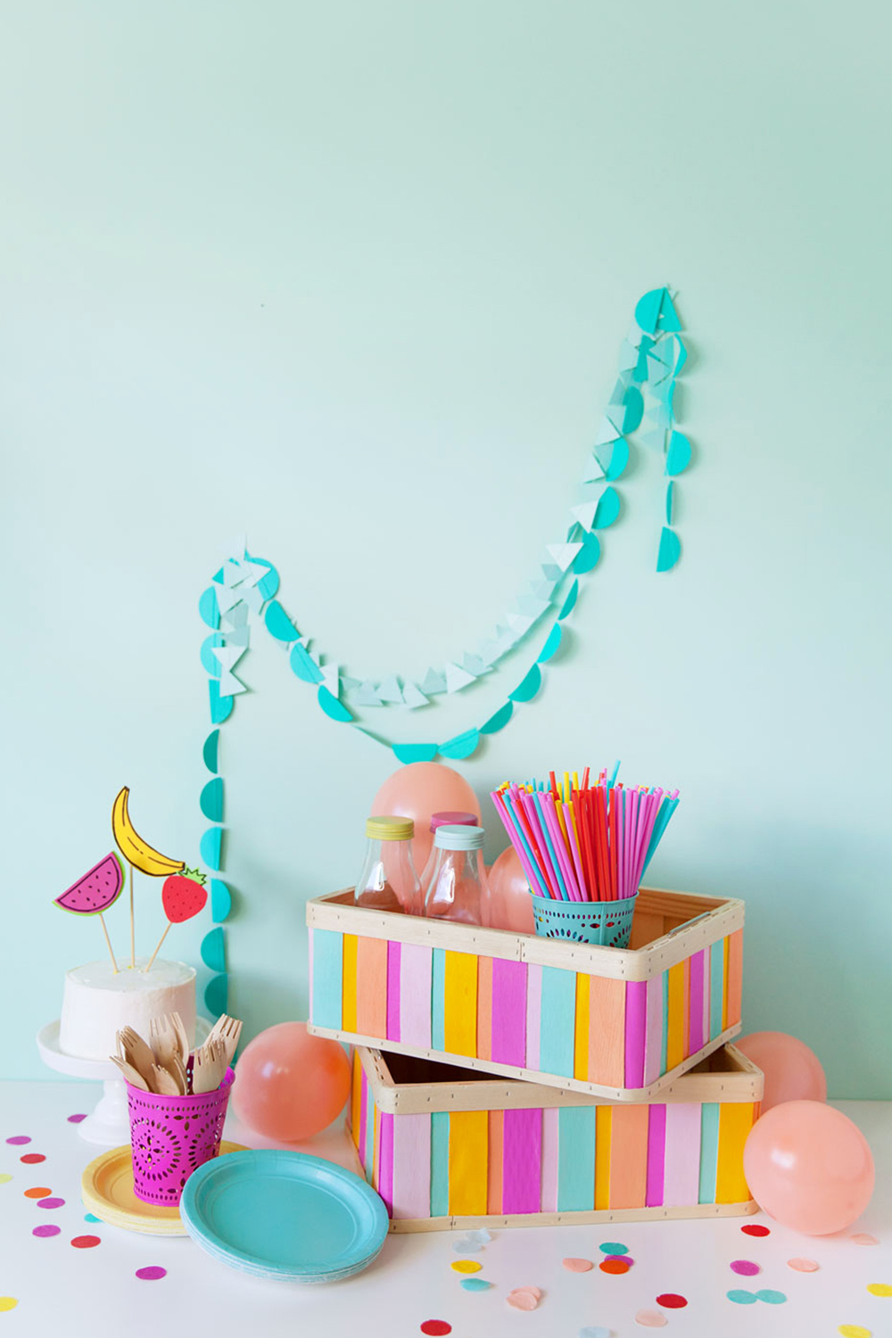DIY-painted-wood-box-perfect-for-parties-or-just-cute-storage