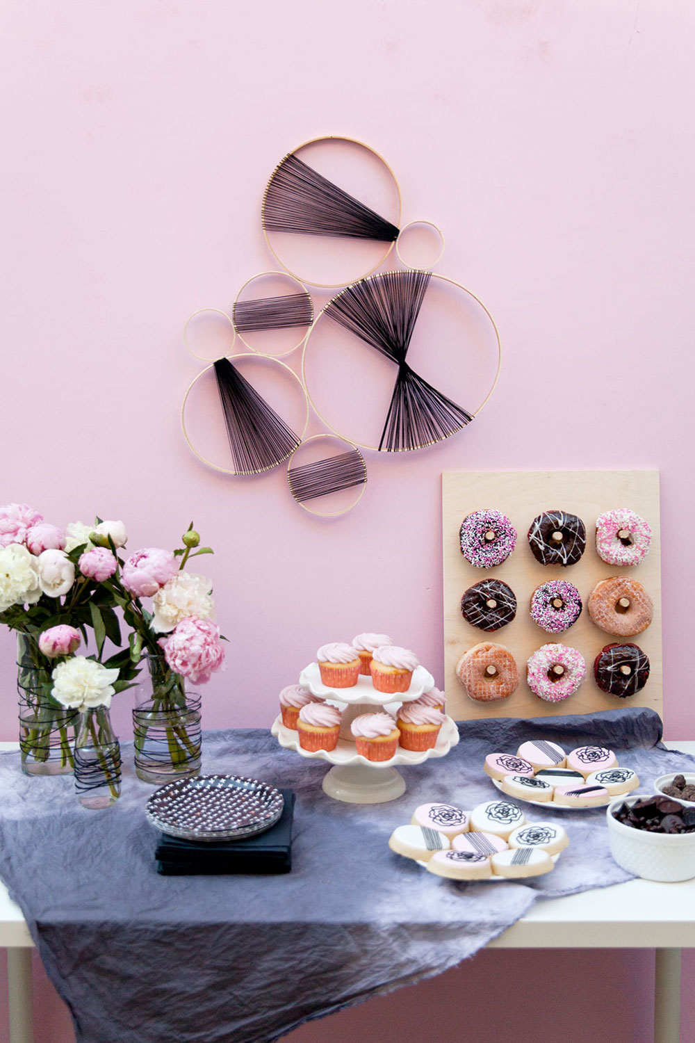 Cute-pink-and-black-baby-shower