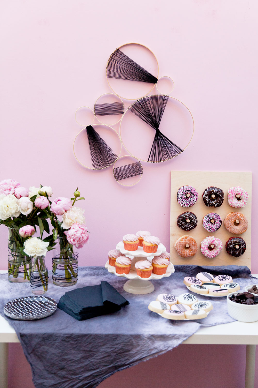 black-and-pink-baby-shower