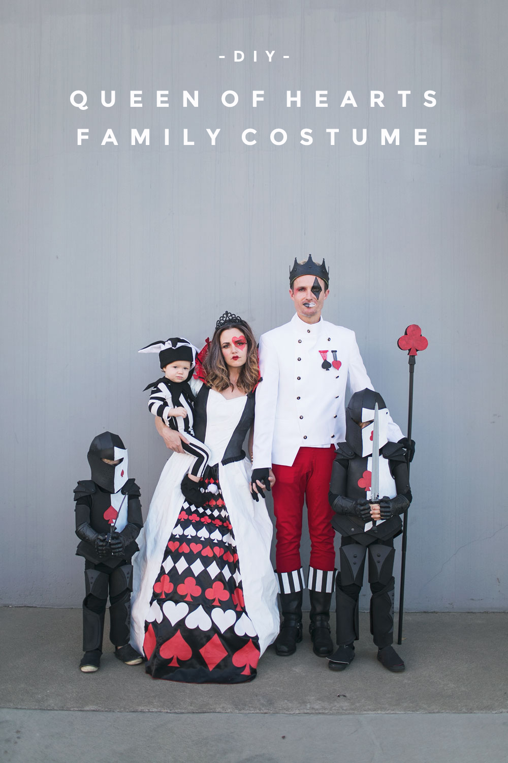 Diy Queen Of Hearts Family Costume Tell Love And Party