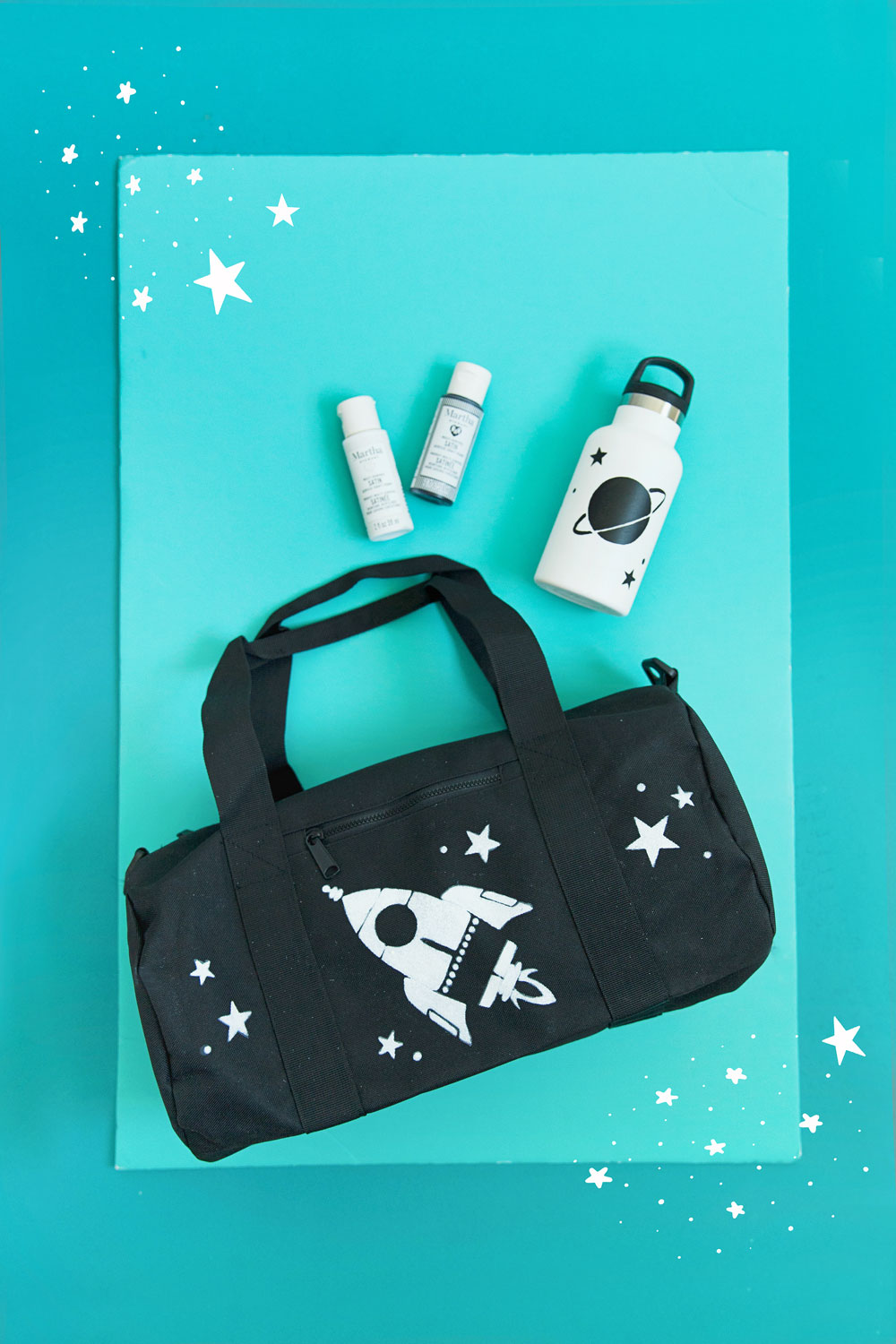 Get organized for Back to School with these super cute and easy to make DIY kids gym bags.