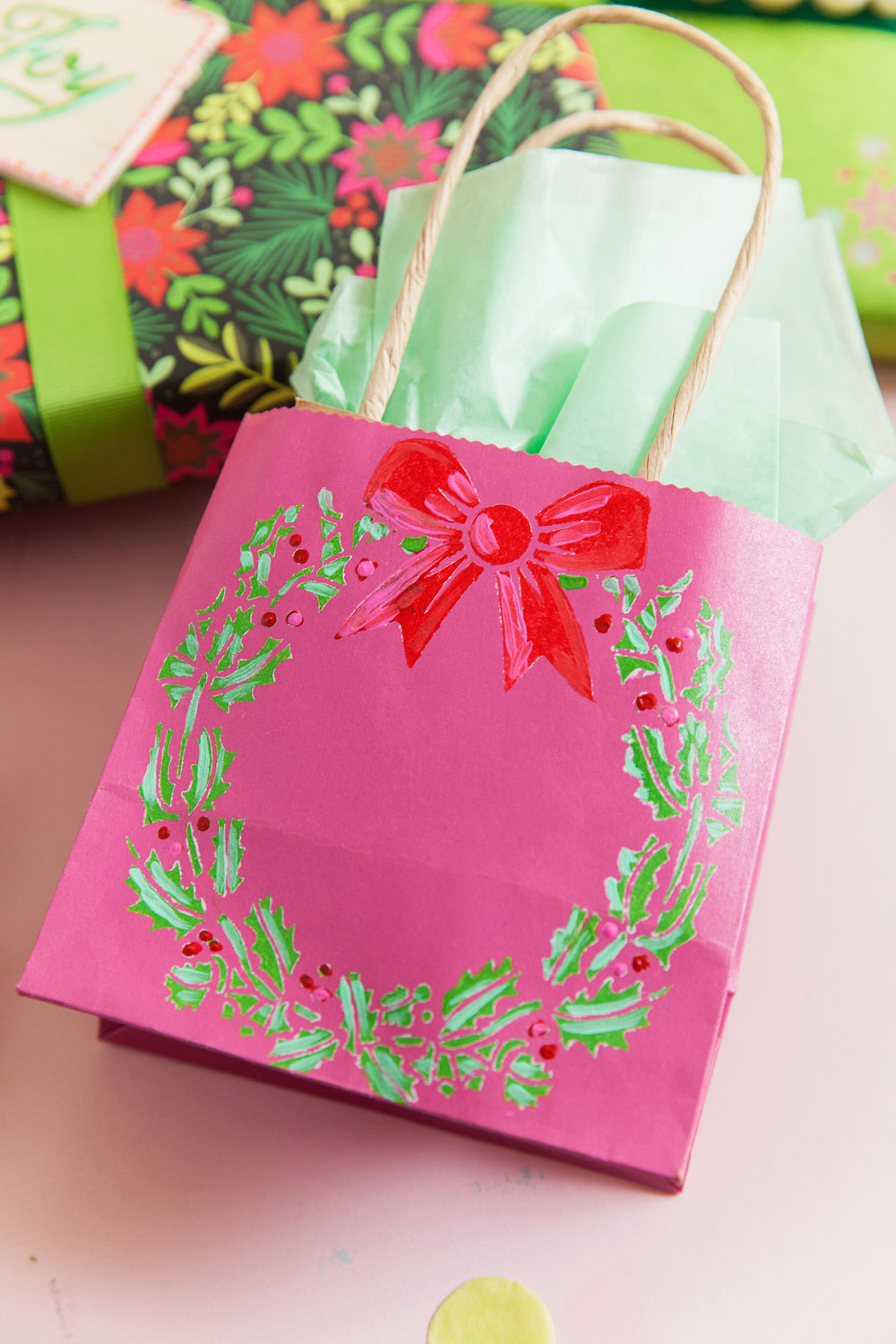 Learn how to make these simple and fun DIY Christmas gift tags